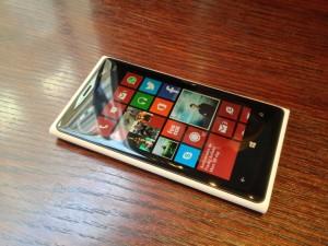 Nokia-Lumia-920-Blanc-Allan-Levassort1-1024x768